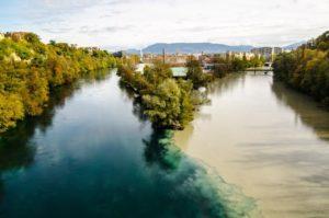 Слияние рек Рона (Rhône) и Арв (Arve)
